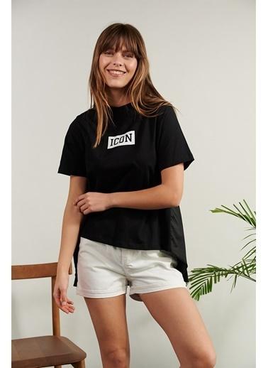 Levure Önü Baskılı Arkası Piliseli T-Shirt Siyah